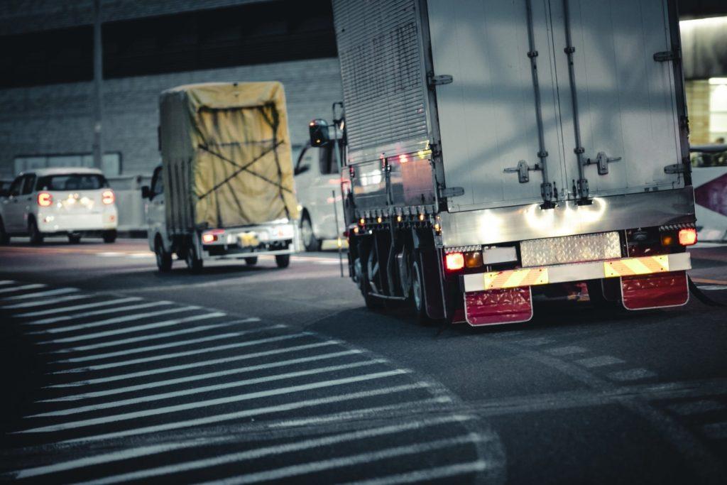 産地直送を実現することで、市場・問屋を経由することによる不要な輸送を減らします